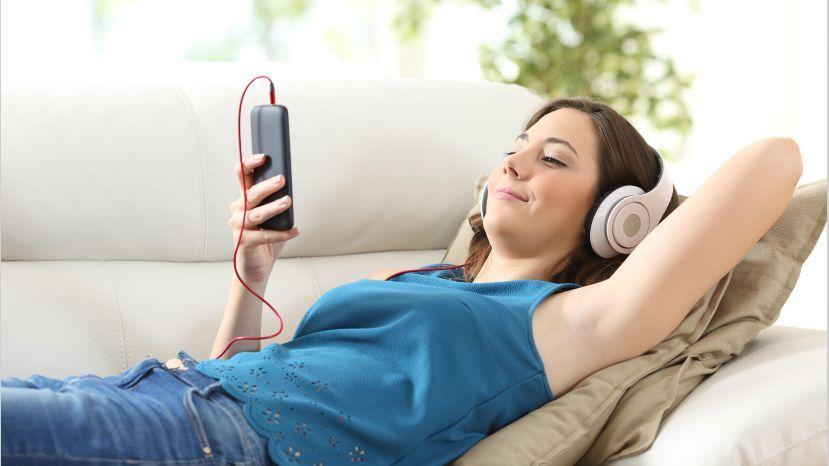 La radio no se murió, solamente se mudó del dial a los equipos celulares